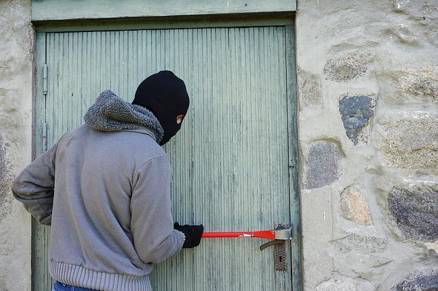 Πώς θα προστατεύσετε το σπίτι σας στίς θερινές διακοπές (και όχι μόνο..)