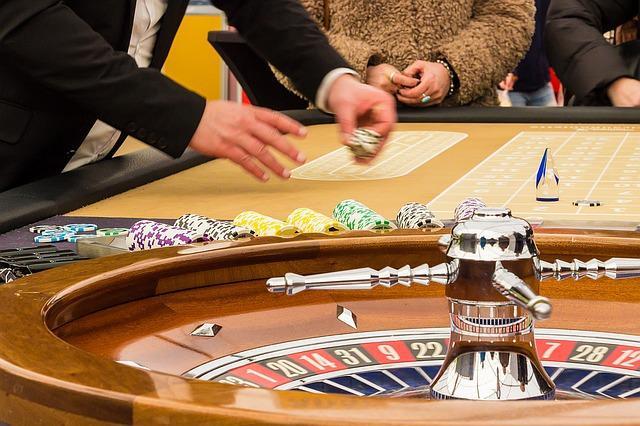 """Η ρουλέτα είναι από τα πιο ακριβά """"σπόρ"""" τών καζίνο, εδώ χάνονται συνήθως τα μεγαλύτερα ποσά..."""